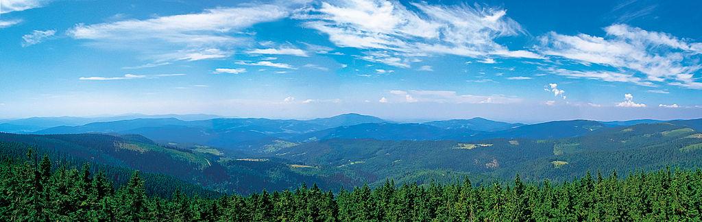 Beskid_Śląski_–_Panorama_z_Baraniej_Góry