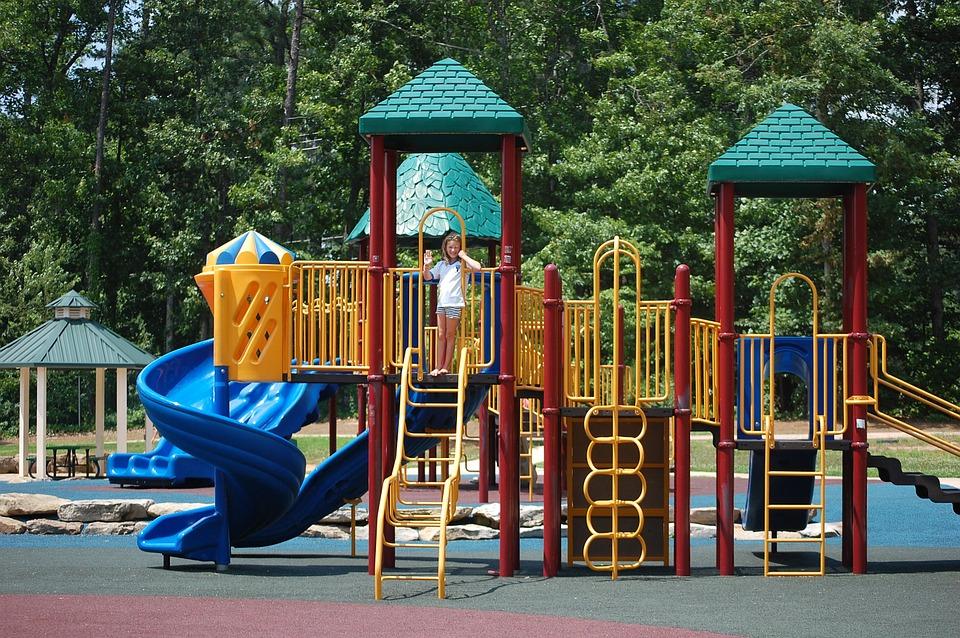 playground-439363_960_720
